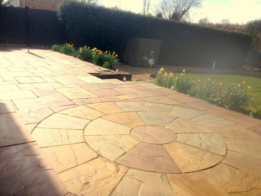 Circle patio by Indigo Landscape, Northamtpon