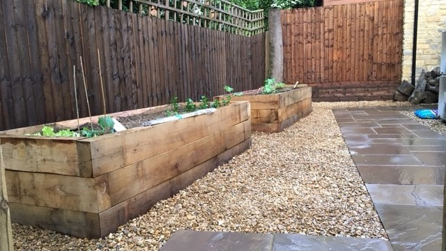 Northamptonshire sandstone patio by Indigo Landscapers